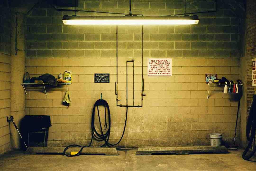 Quel est le meilleur isolant pour porte de garage ?